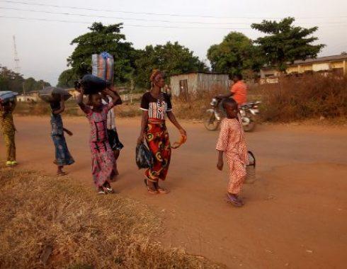 Bassa-Ebira-Crisis-Bassa-People-Running-Out-3-490x380.jpg