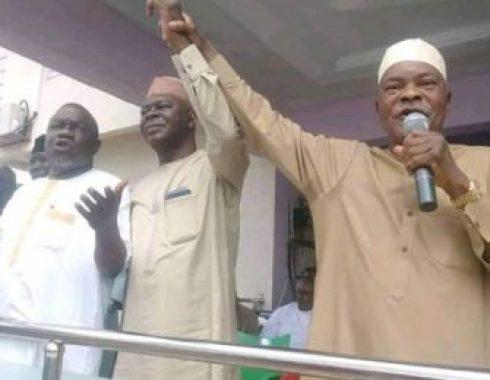 Ibrahim-Idris-Ibro-endorse-son-Abubakar-for-governor-400x260-490x380.jpg