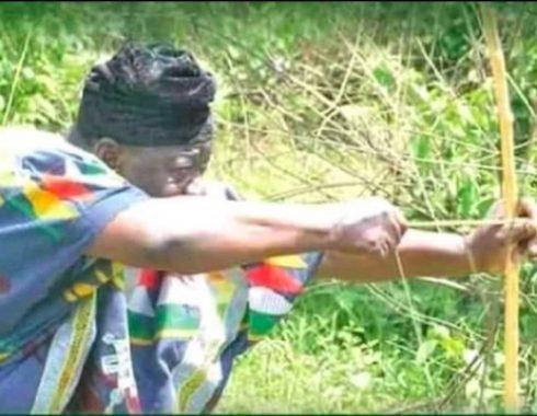 Attah-Idakwo-Ameh-shooting-during-the-Ocho-festival-490x380.jpg